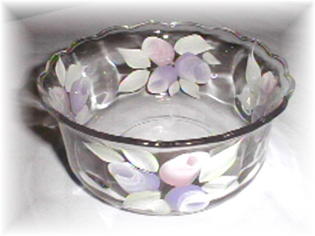 snack bowl lavender and pink roses.jpg (56041 bytes)